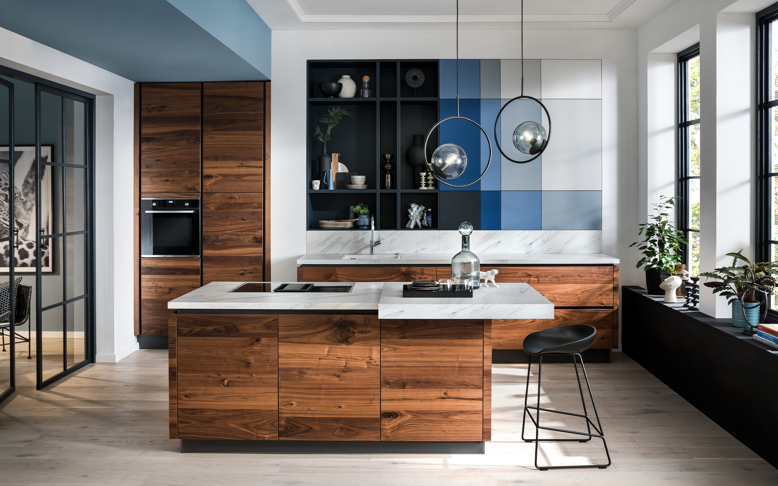 AV 6080 walnut . AV 6000 RAL